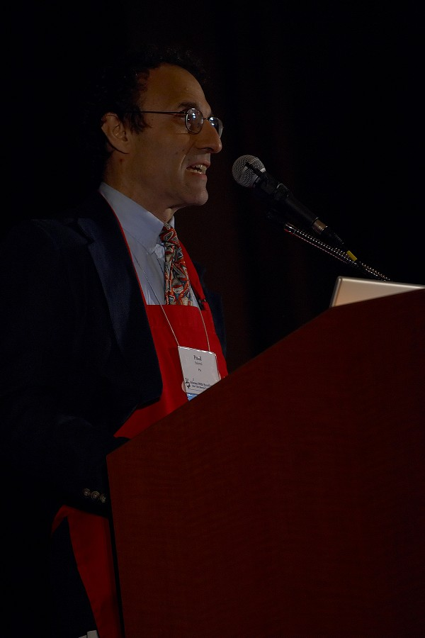 Board chair Paul Salerni speaks at the 2006 SAA Conference