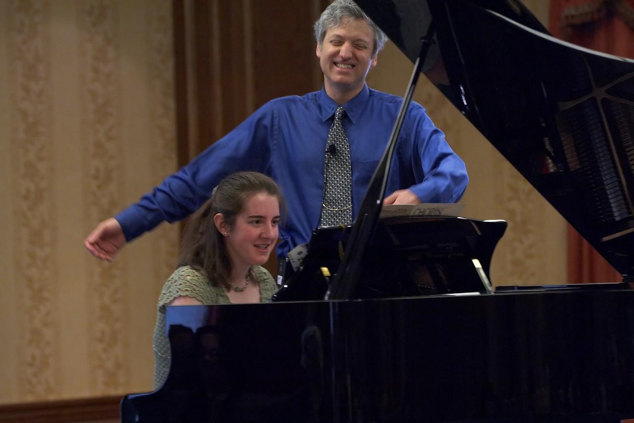 Brian Ganz gives a piano masterclass at the 2006 SAA Conference