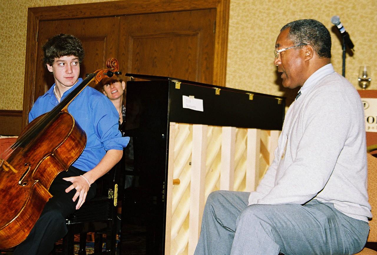 Anthony Elliott gives a cello masterclass.