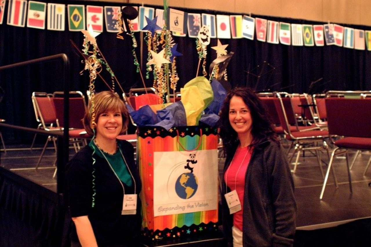 SYOA coordinators Ann Montzka-Smelser and Vanessa Vari before the concert at the 2008 SAA Conference