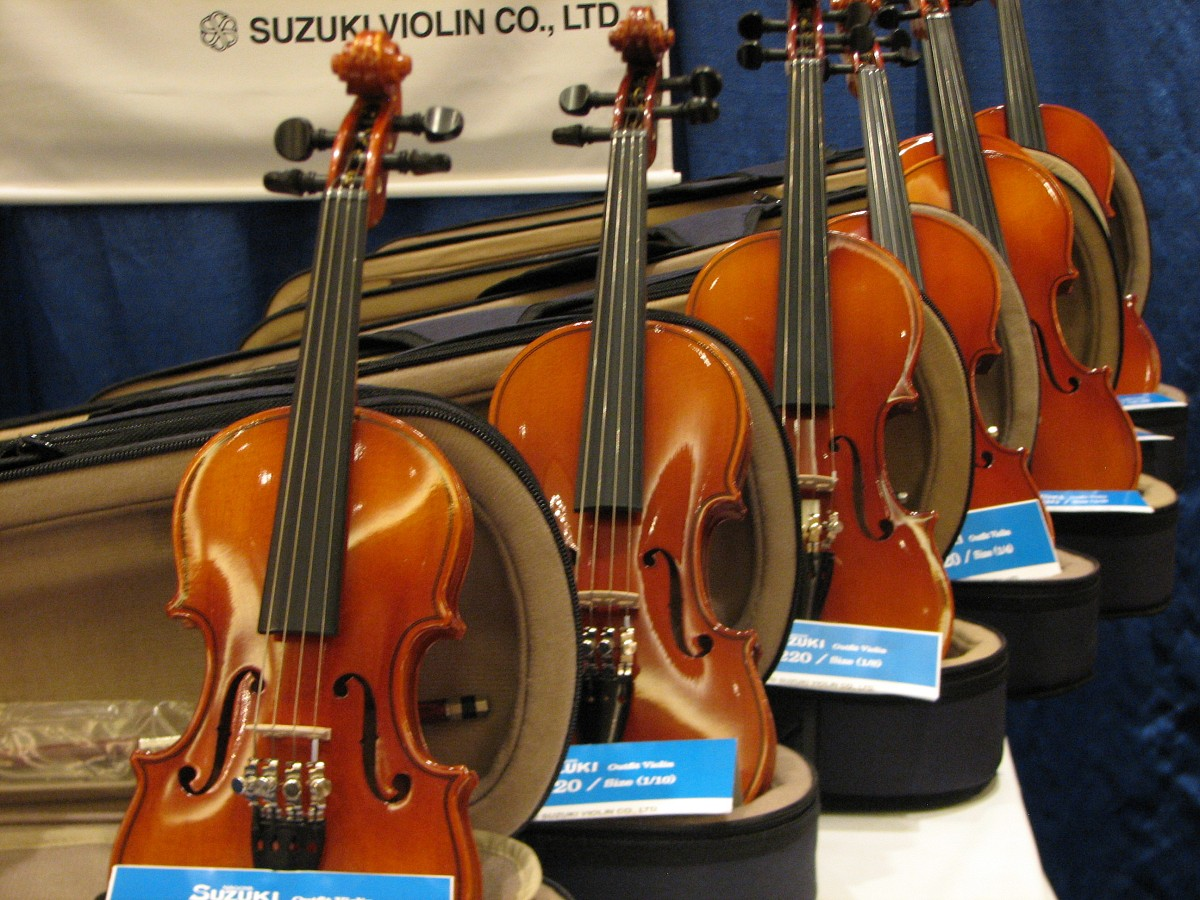 Suzuki violins in the exhibit area at the 2008 SAA Conference