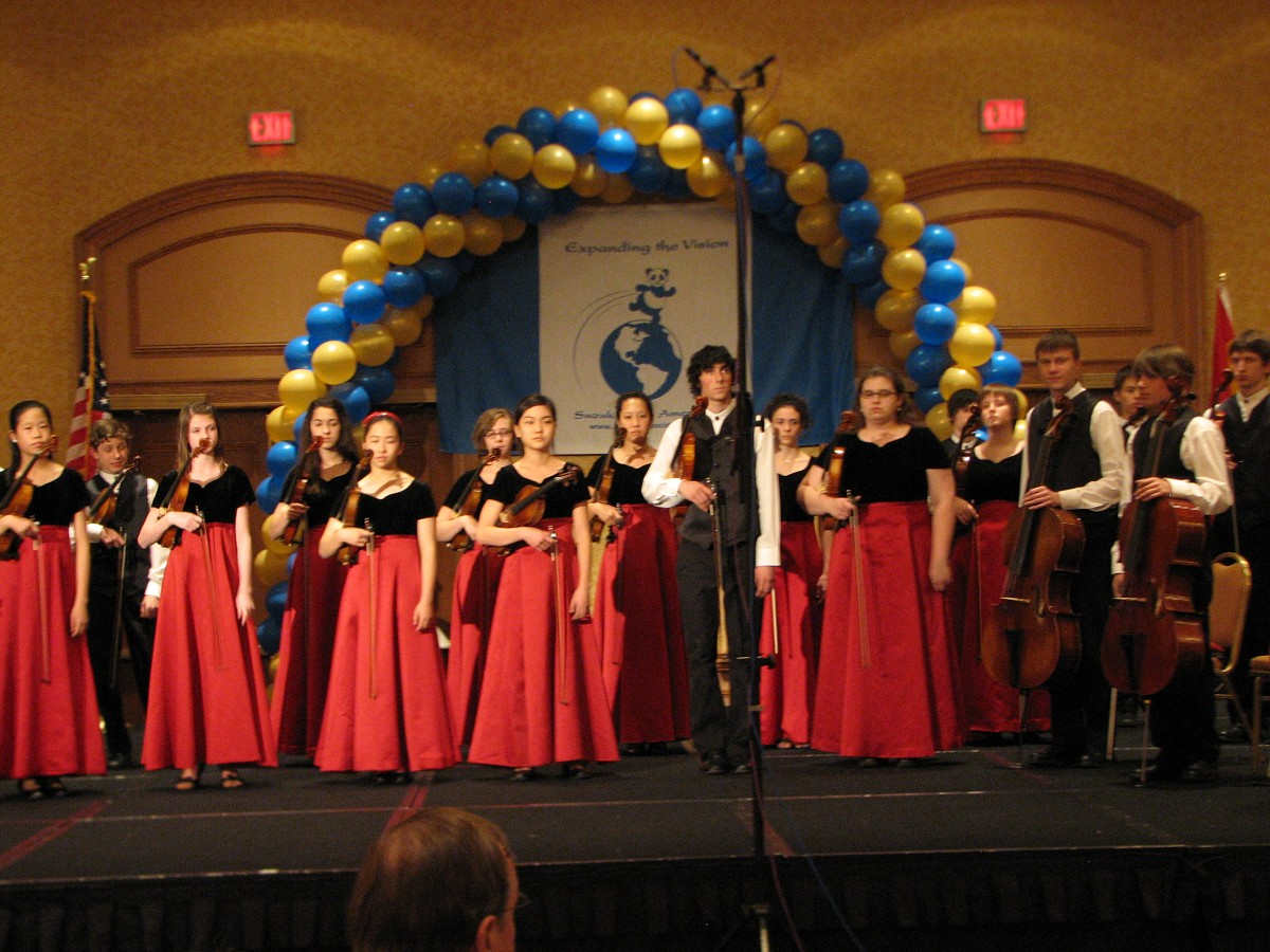 Vivaldi Strings takes a bow at the 2008 SAA Conference