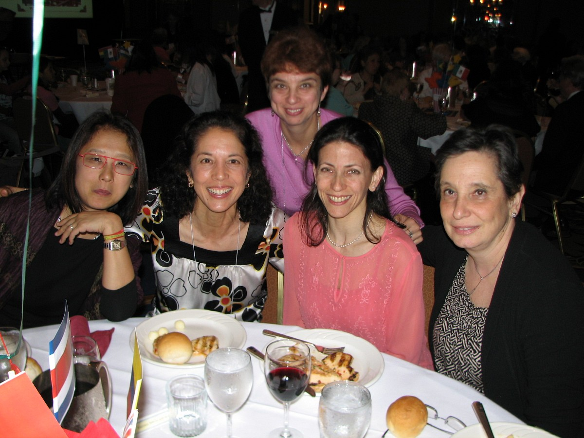 Michiko Yurko and friends at heritage celebration during the 2008 SAA Conference
