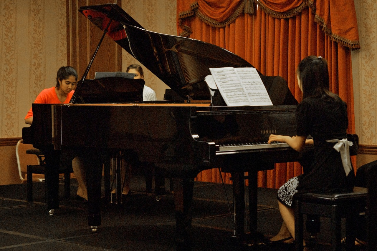 Duo piano student performance at the 2008 SAA Conference
