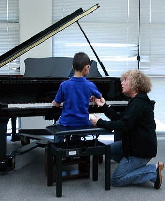 Caroline Fraser and student at HNU Piano Teacher Training Institute