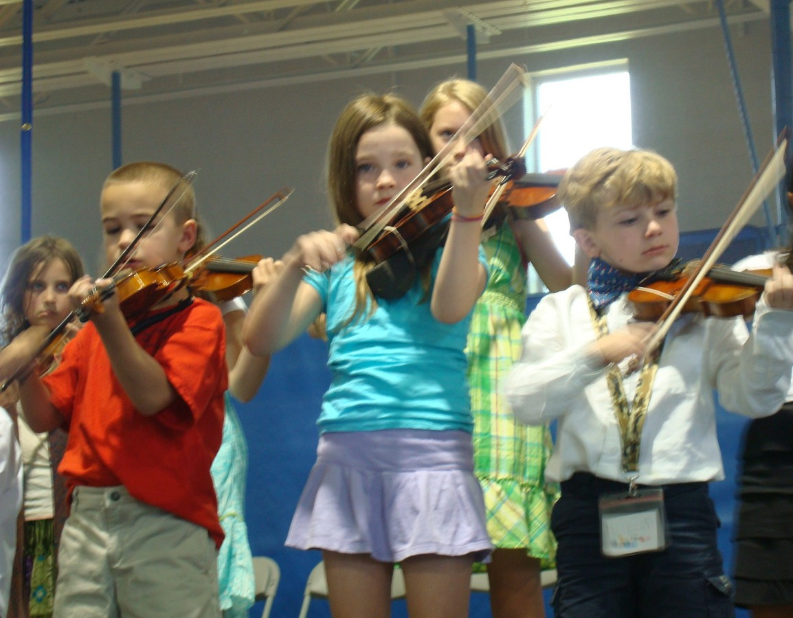 New England Suzuki Institute violin students
