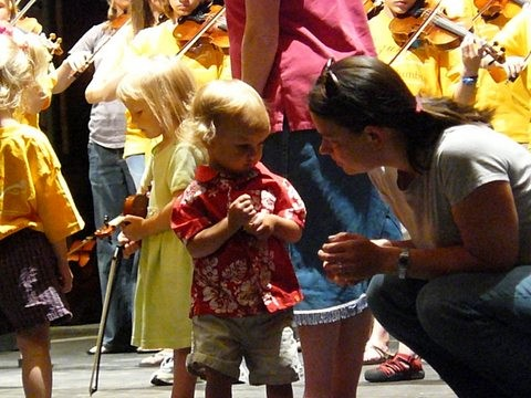 Violin group class at Suzuki Music Columbus