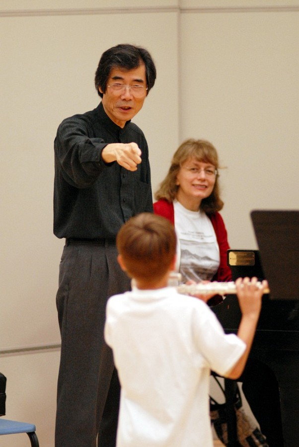 Toshio Takahashi and student at East Tennessee Suzuki Flute Institute