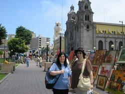 En esta foto estamos Alicia Campastro y yo (Patricia Pasmanter). Alicia es de Buenos Aires, esto fue el día antes del comienzo del festival.