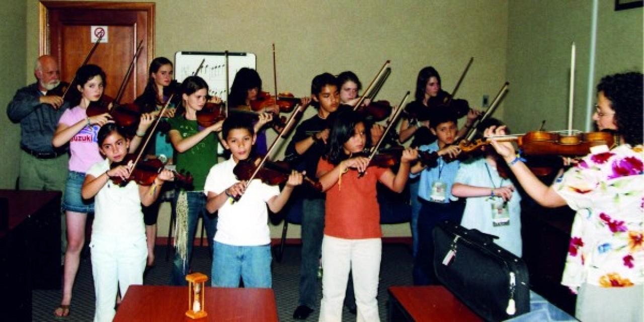 Alison Eldrege with violin class