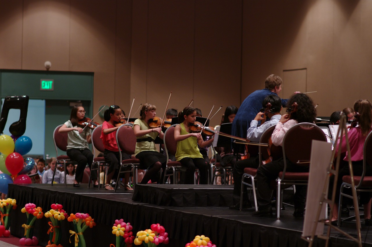 Kirsten Marshall conducts the SYOA 2 concert at the 2012 conference