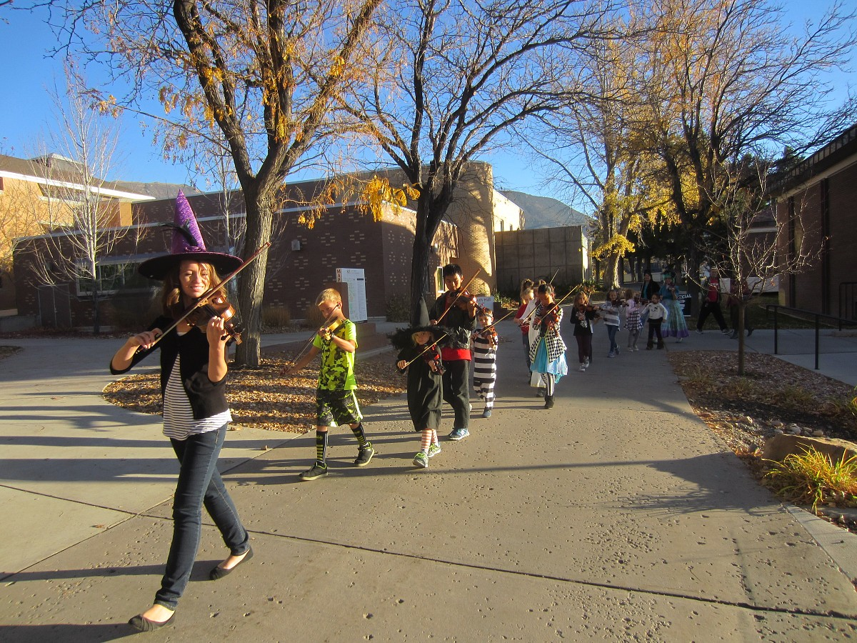 Twinkle Parade for Halloween