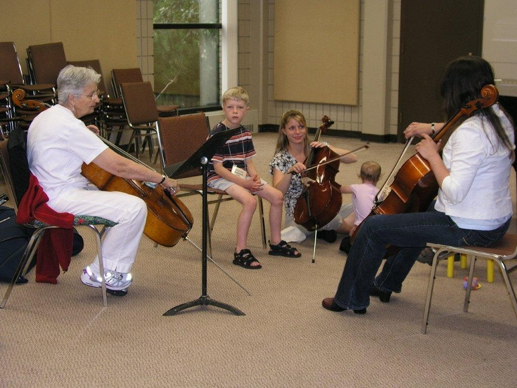 Cello lesson at Brandon Suzuki Institute