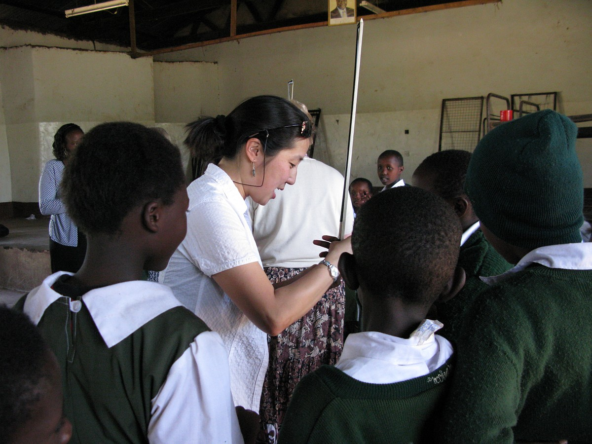 Andrea Yun works with students at Bishop Imathiu Primary School in Meru, Kenya.
