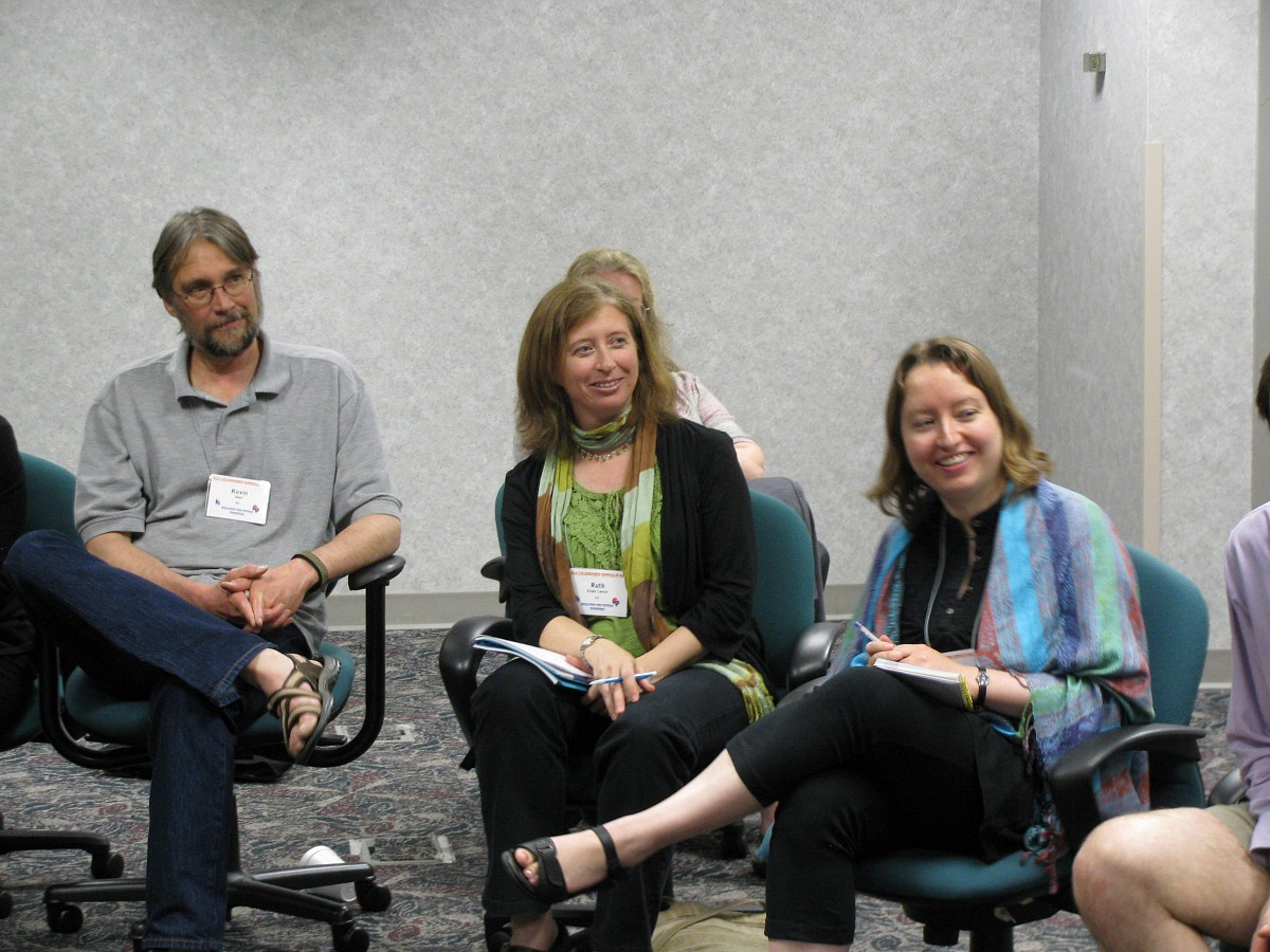 Ruth Engle Larner and Sasha Garver participate in a discussion at the 2011 Leadership Retreat