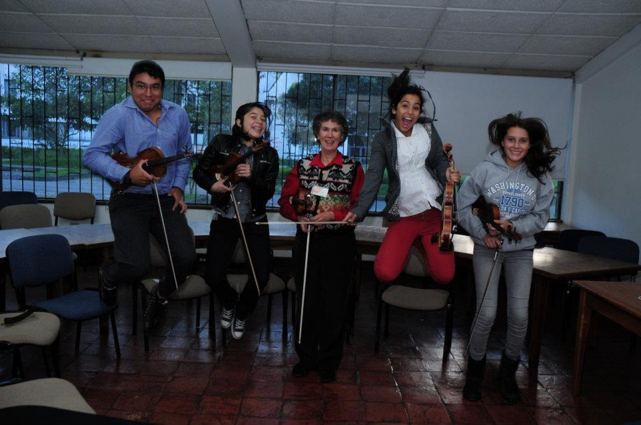 Marilyn O'Boyle and students in Colombia