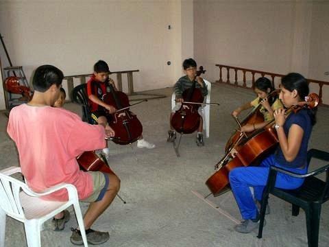 cello group class in Trujillo