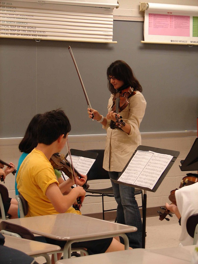 Violin class at Greater Pittsburgh Suzuki Institute