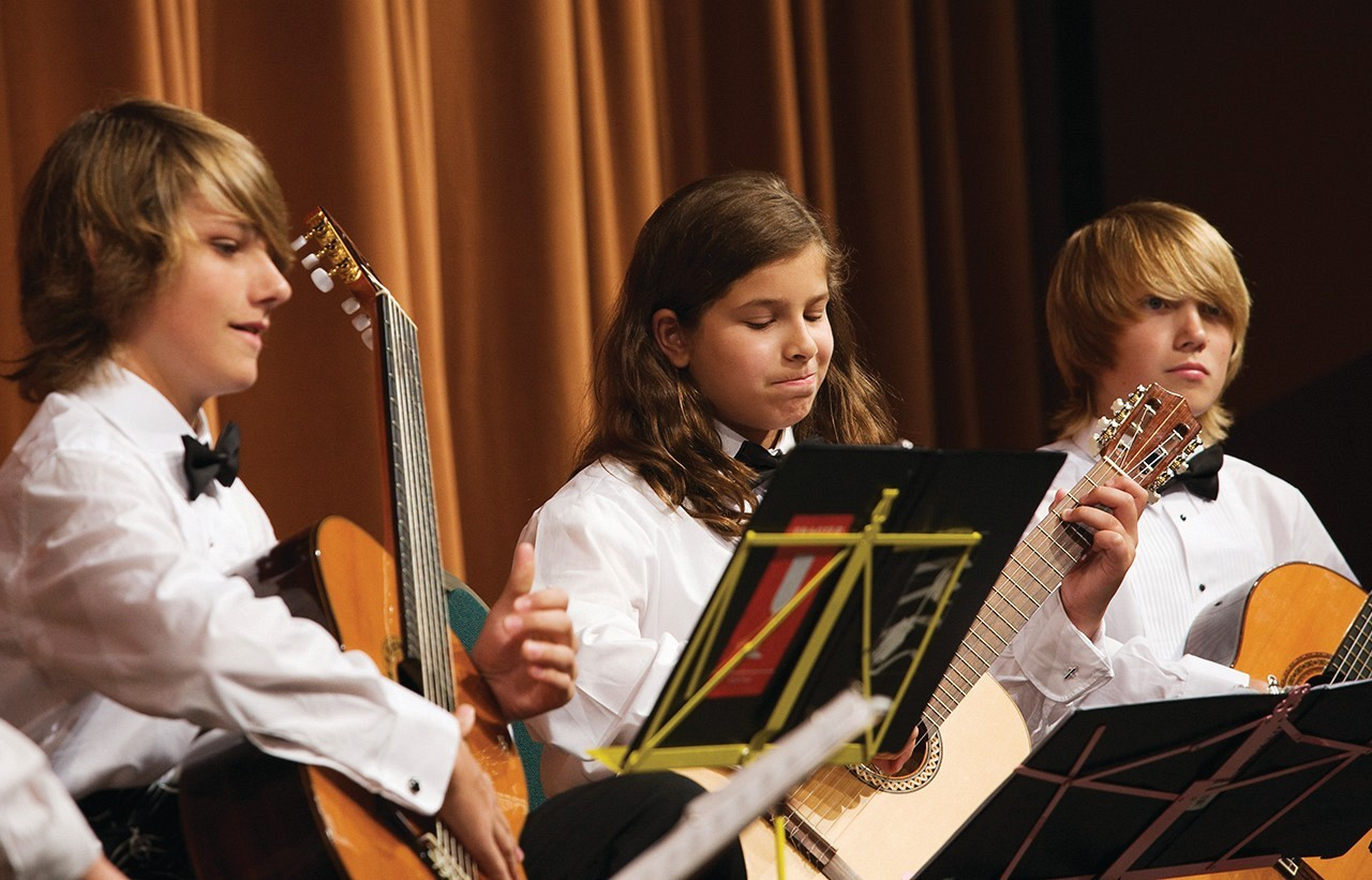 Members of the Hartt School of Music Guitar Orchestra at the 2008 International Suzuki Guitar festival