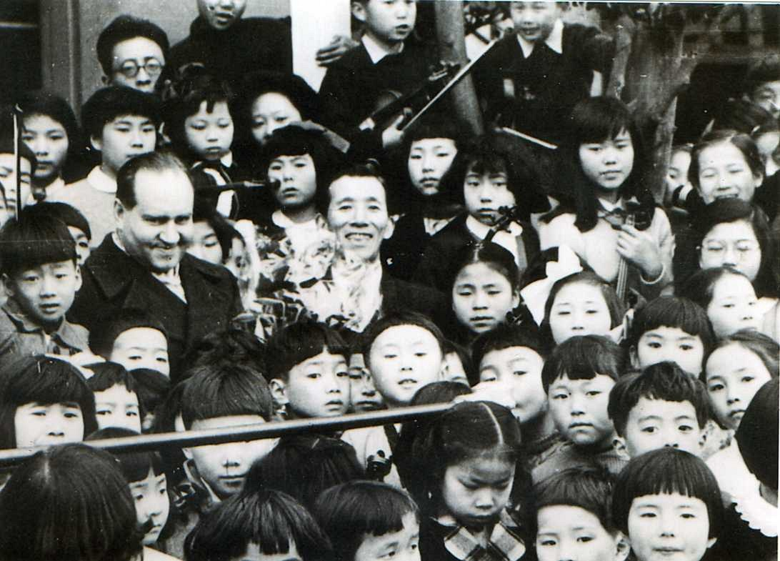 Dr. Shinichi Suzuki and Japanese Violin Students