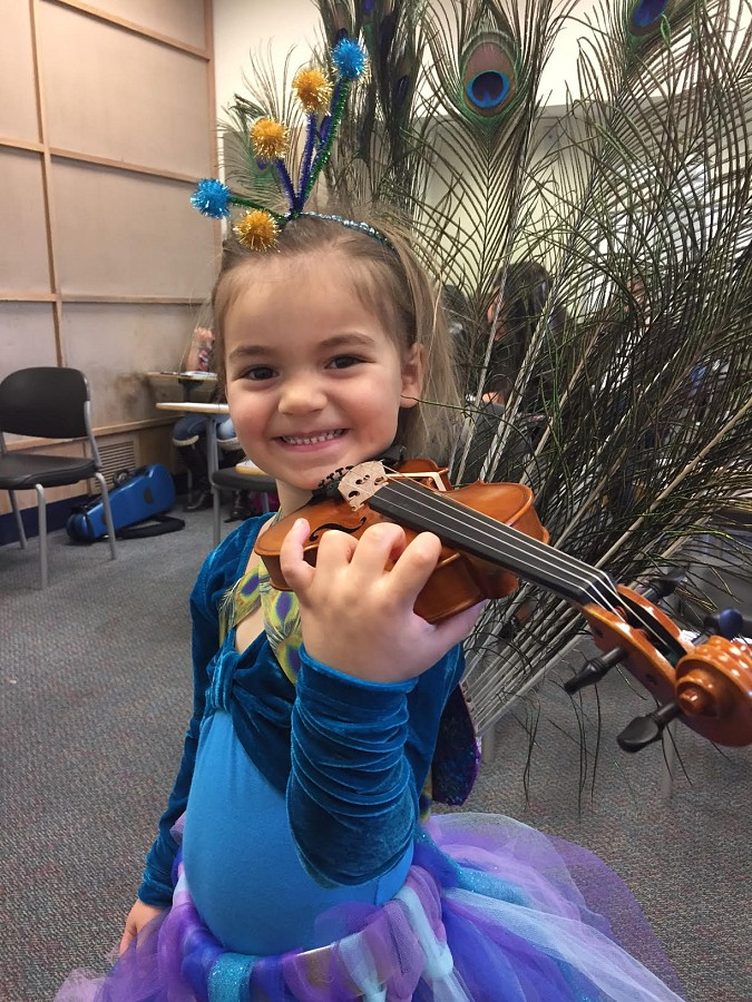 Peacock violinist girl