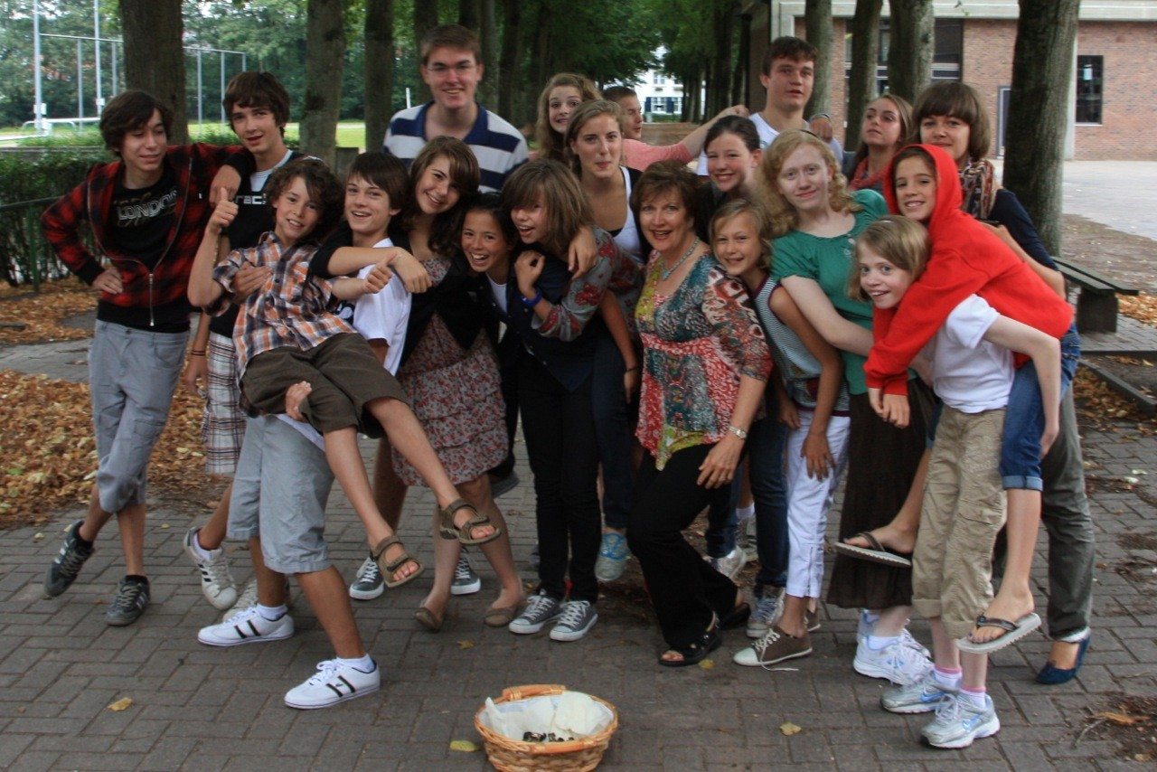 Rocky Mountain Strings students made friends with Belgian students