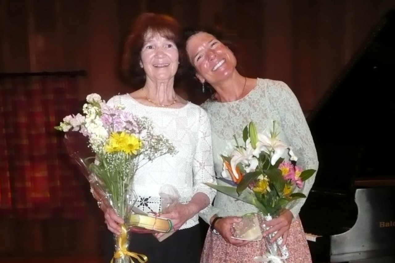 Barbara and Tanya Schneiderman