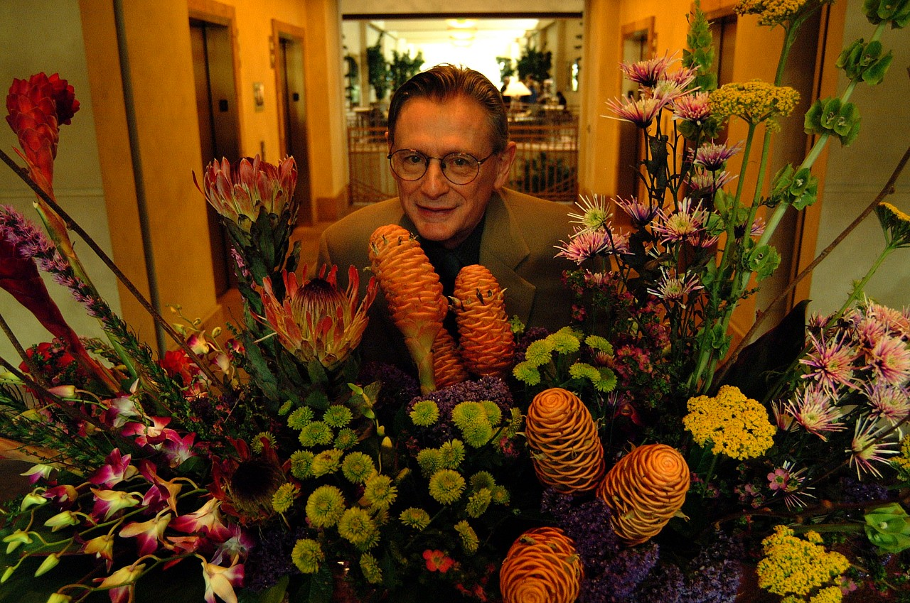 William Preucil with flowers at the 2001 SAA Leadership Retreat