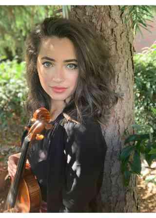 Rebecca Chaqor