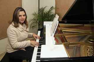Monica Esmeralda Leon Bernal