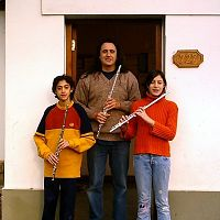 Fernando Formigo and 2 flute students