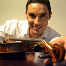 Suzuki students play for renowned Brazilian violinist Alessandro Borgomanero former student of Koji Toyoda and Ruggiero Ricci