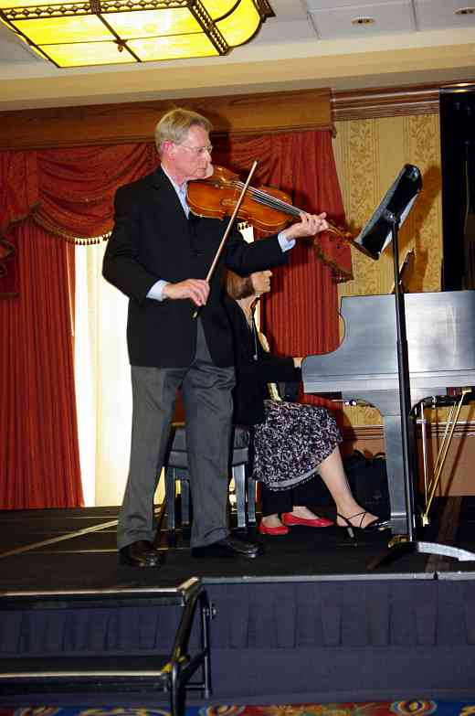 William Preucil presents a viola session at the 2010 Conference