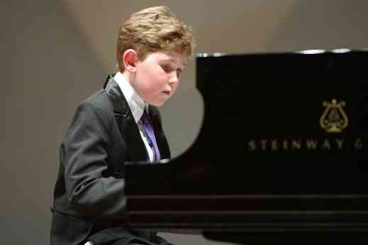 Gavin George performs Chopin in the Kaleidoscope Concert