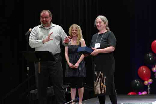 Pamela Reit receives a Creating Learning Community award
