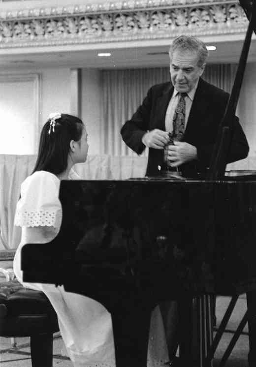 Piano masterclass clinician Claude Frank inspired students and teachers with his warmth and vigor.