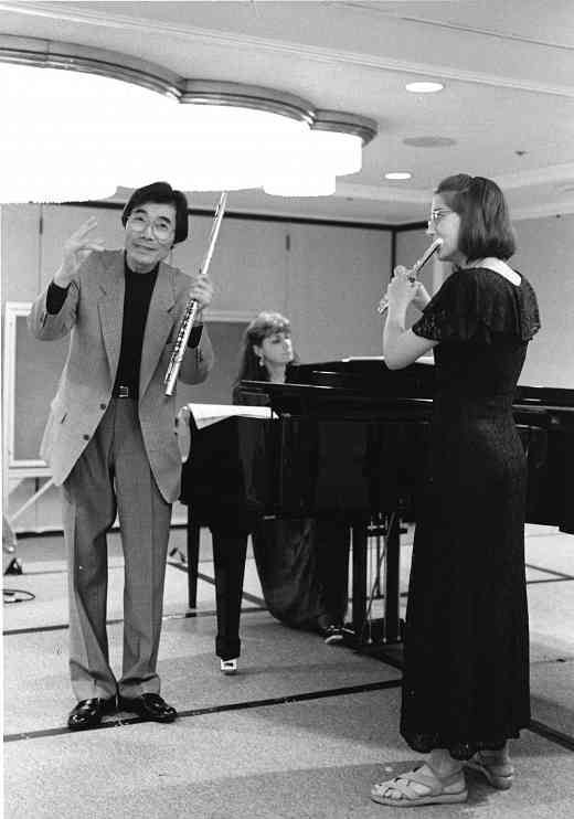 Attended by players of all instruments, Toshio Takahashi's lively opera sessions were characterized by his infectious humor and enthusiasm.