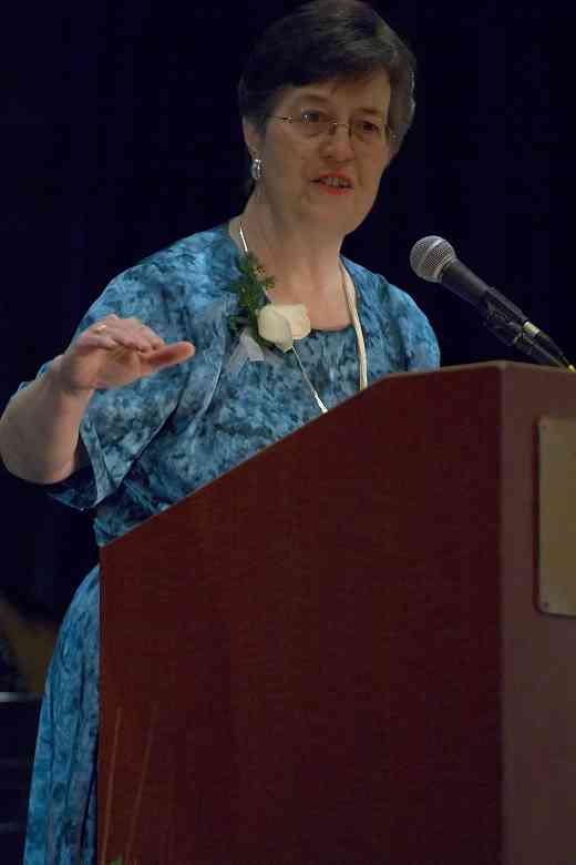 Alice Joy Lewis speaks at the 2006 SAA Conference opening ceremonies