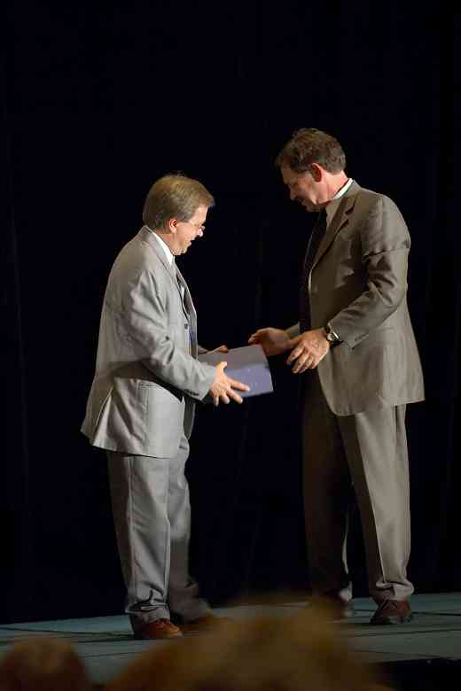 Frank Longay receives the Creating Learning Community award at the 2006 SAA Conference