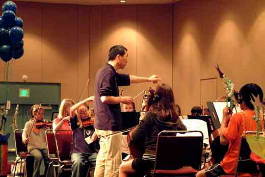 Marcus Tsutakawa and SYOA 2 rehearse at the 2008 SAA Conference