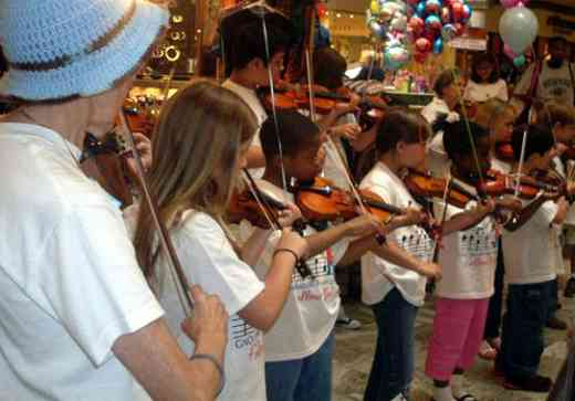 Violin students at Greater New Orleans Suzuki Summer Camp