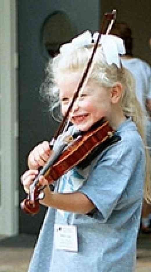 Violin student at South Carolina Suzuki Institute