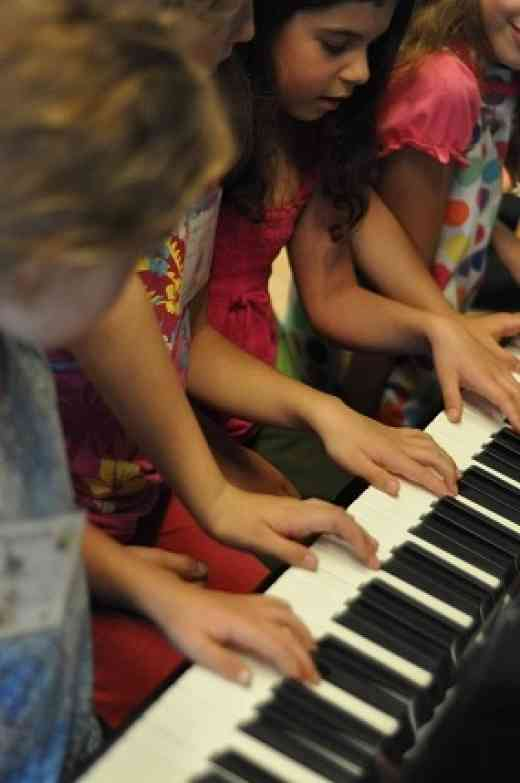 Piano students at Institut Suzuki Montréal