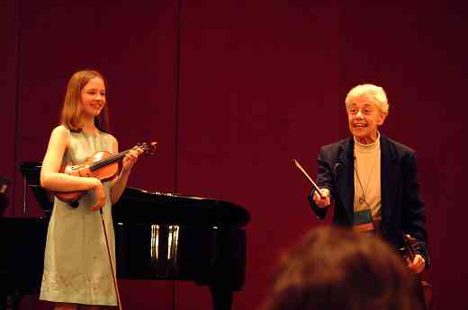 Louise Behrend gives a Conference Violin Masterclass