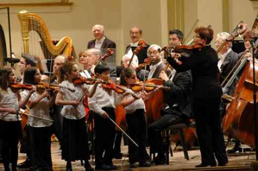 Shenandoah Valley students perform with the St. Louis Symphony Orchestra