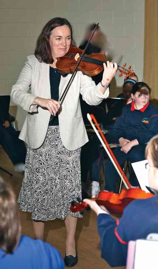 Dorothy Conaghan working with children in Ballymun