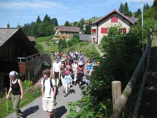 Swiss students from Luzern & Zurich head up to the top of Mount Rigi.
