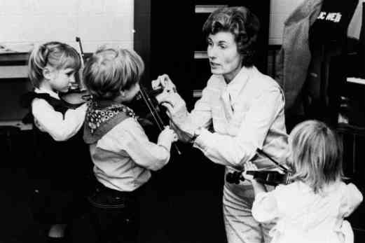 Gwen Runyon with young students