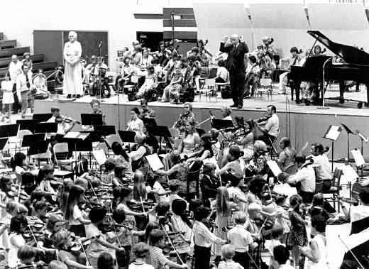 Final concert at the 1973 American Suzuki Institute, Clifford Cook conducting