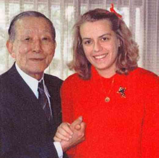Dr. Shinichi Suzuki and Dr. Päivi Kukkamäki in Japan 1986